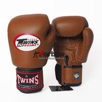 Боксерские перчатки Twins из натуральной кожи (BGVL-3-BR, коричневые)
