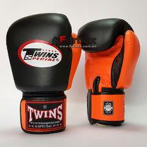 Боксерські рукавиці Twins із натуральної шкіри (BGVL-3T-BKOR, чорно-помаранчеві)