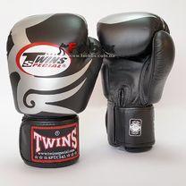 Боксерські рукавички Twins з натуральної шкіри (FBGV-12S, чорно-білі)